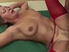 Youngsters Evil-minded Step-Mom in Lingerie and Seduce her approximately Fuck